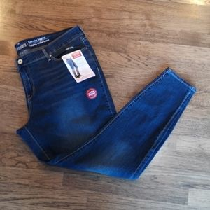Levi's Signature Low-Rise Jegging Stretch 20 NWT